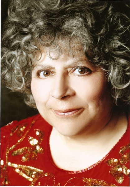 how tall is miriam margolyes