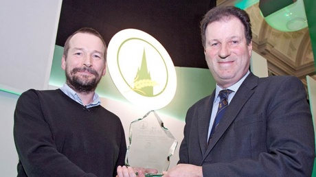 Dr Jon Hillier (left) receives the 'Practice with Science' Award run by the Oxford Farming Conference