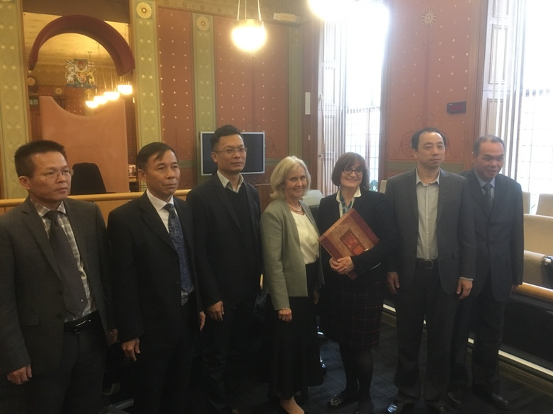 Hainan Delegation pictured at the Aberdeen Sherriff Court