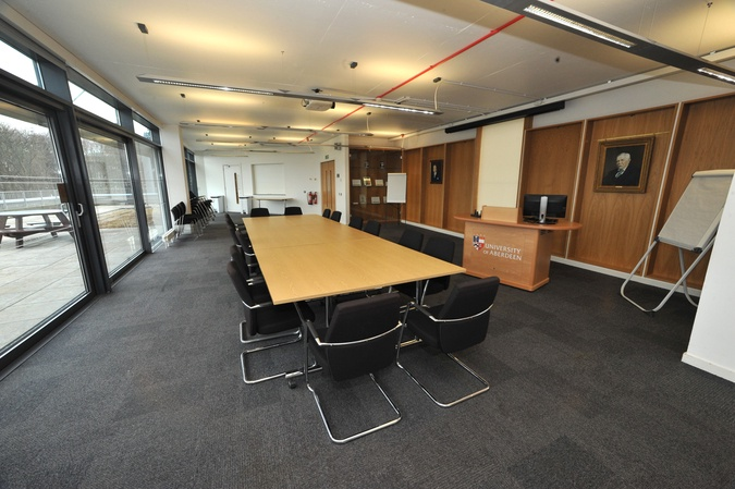 402 - Conference Room (Boardroom layout)