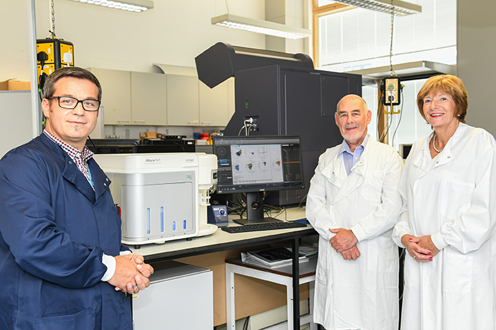 Dr Raif Yuecel (left), head of the Iain Fraser Cytometry Centre, with George McIntyre and Margaret Stenton, Trustees of the Gordon and Ena Baxter Foundation