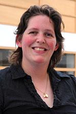 Dr Georgina Hold