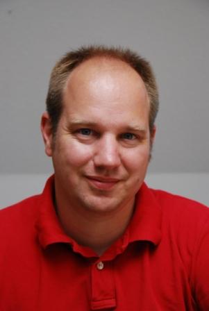 Dr MATTHIAS KUHNERT